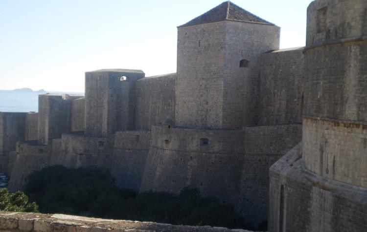 city walls dubrovnik